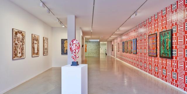 Kendell Geers, Installation View Voetstoots (2018), Courtesy Kendell Geers, Galerie Ron Mandos Amsterdam